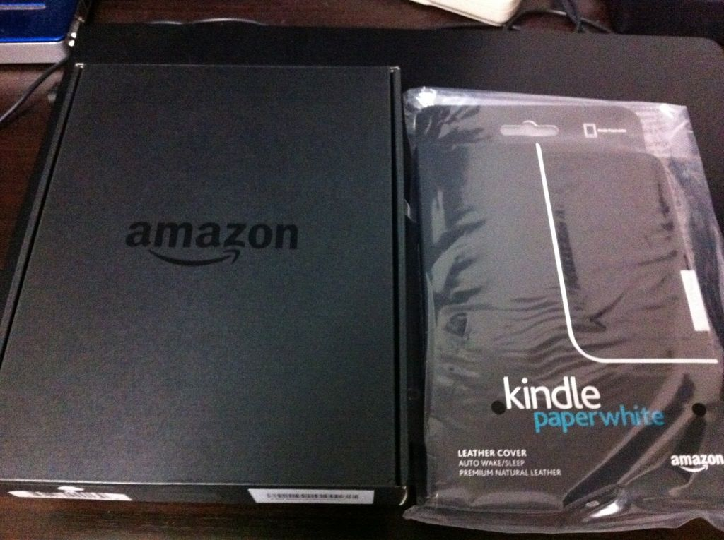 Kindle paperwhite と Amazon のケース