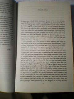 分厚いドストエフスキーの本