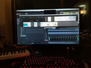 TCL 43S405 and Cubase 9.5 + Reaktor 6 Blocks