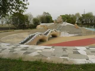 舎人公園のプール?